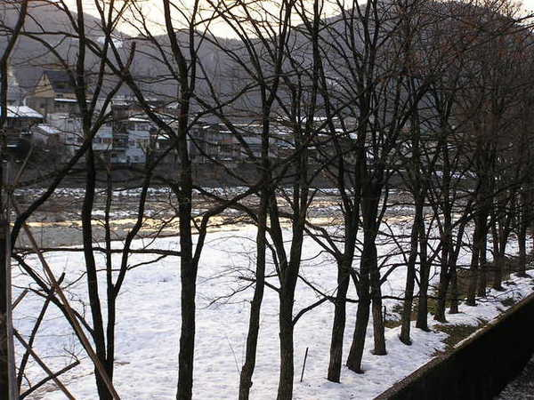 早晨的飛驒川.JPG