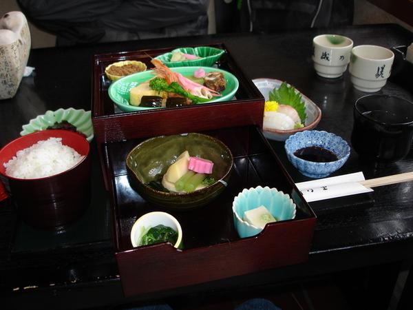蹉峨乃里午餐.JPG