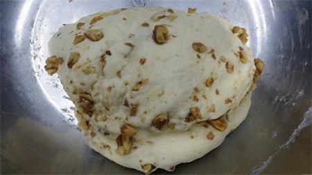 Walnut Cheese Bread 4