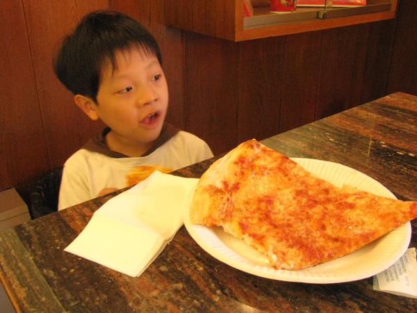 威尼斯火車站的披薩超好吃