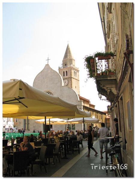 教堂前的廣場