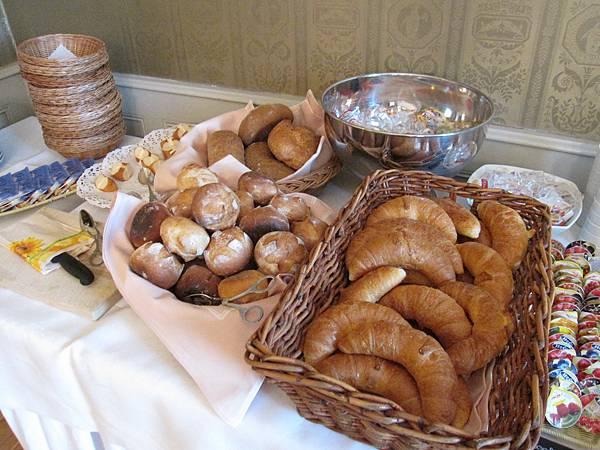 滿滿的麵包