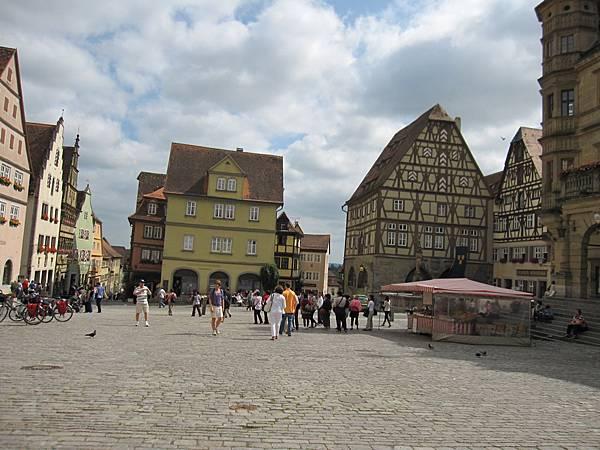 下午,到達 Rothenburg