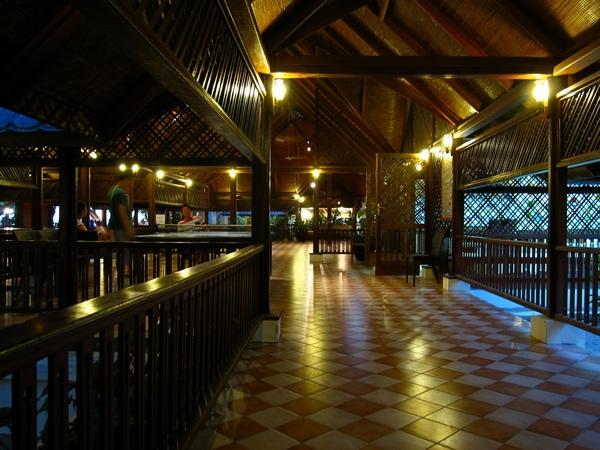 村外旅遊中心的走廊