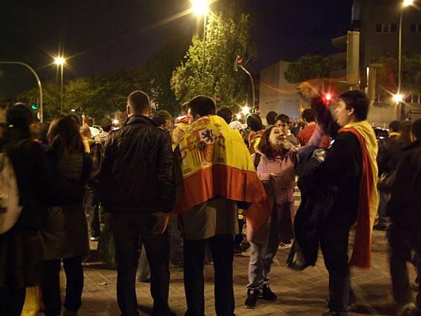 西班牙球迷人山人海