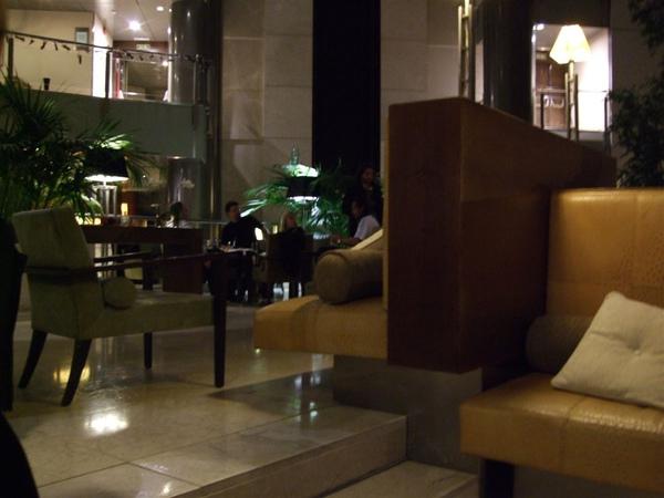 賽後混進球員酒店,蹲到凌晨三點半……