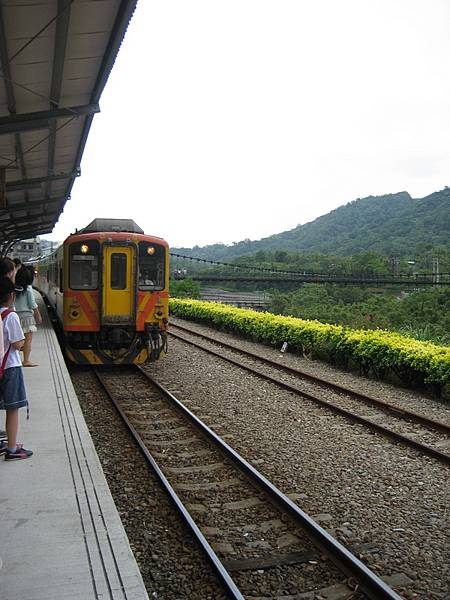 火車已經過車站
