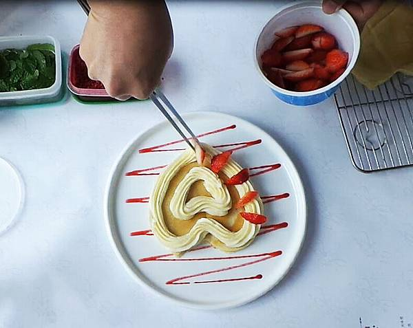 草莓鬆餅製作過程06.JPG