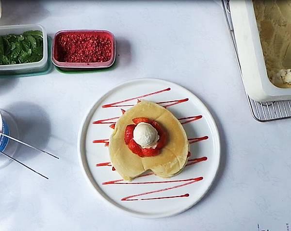 草莓鬆餅製作過程08.JPG