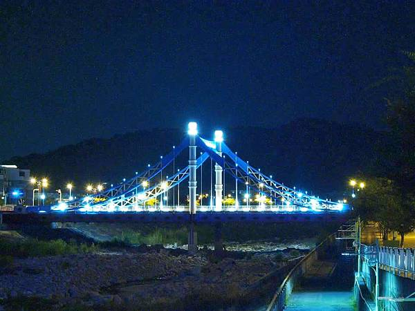 台中大坑藍天白雲橋