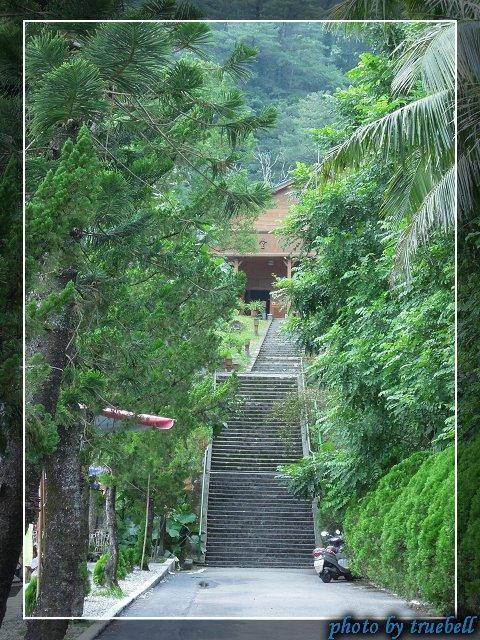 上中山堂的階梯