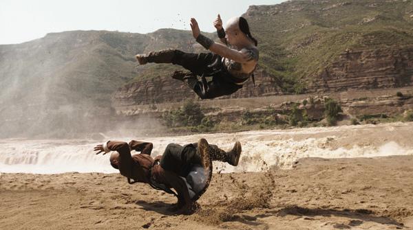 0112 新聞劇照--袁烈與蘇燦在壺口瀑布激烈對打