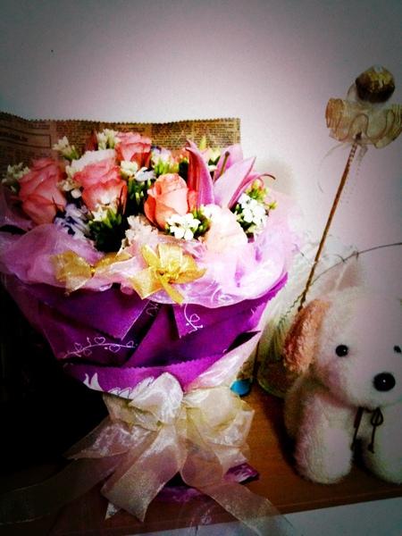 九朵粉紅玫瑰