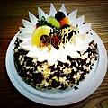 阿拓遠從台北帶來的蛋糕,專程送來好感動!