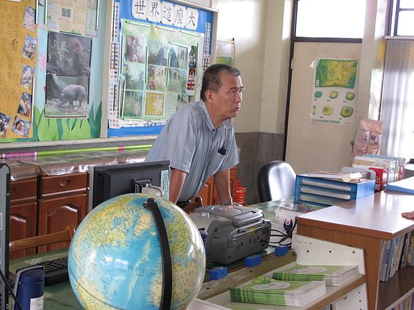 這是我們永遠的梁明泉老師