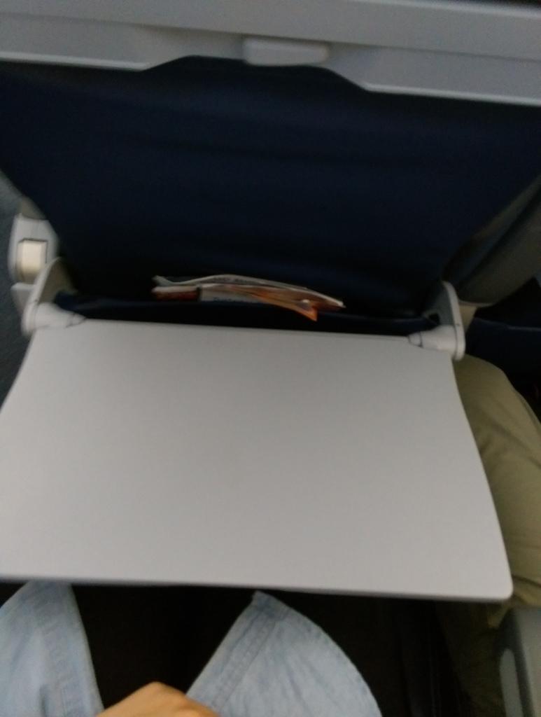 美國UA聯合航空休士頓飛沙加緬度15.jpg