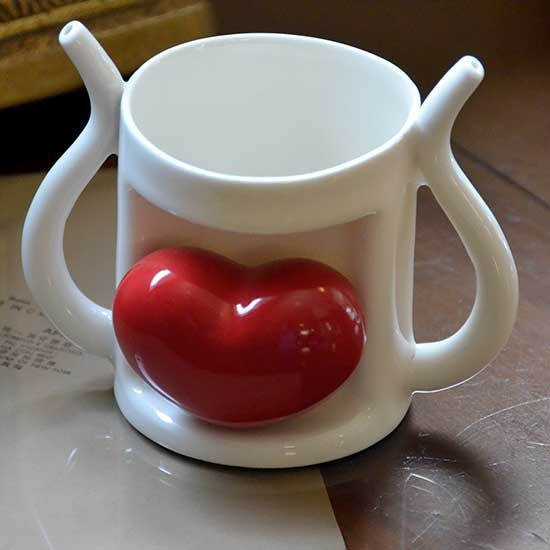 queen-love-mug-red