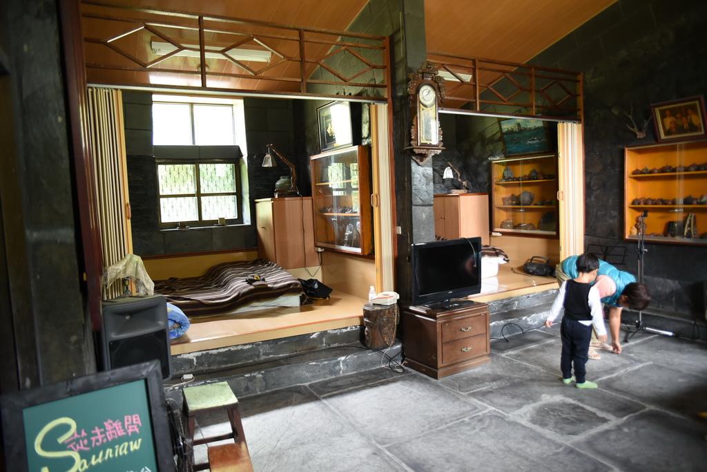 石板屋2.JPG