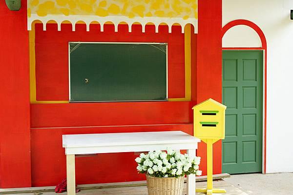 12紅色小屋.JPG