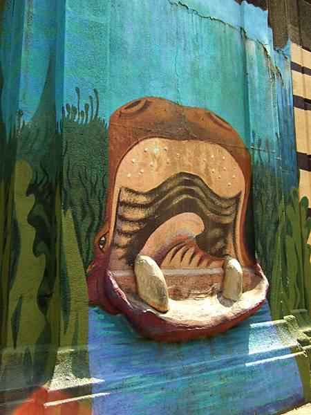 動物園外面的壁畫。