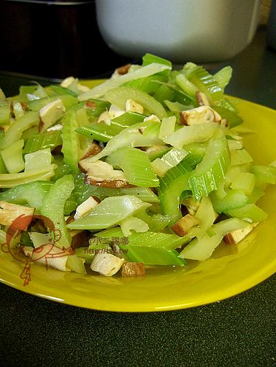 8-1-077芹菜豆干.jpg