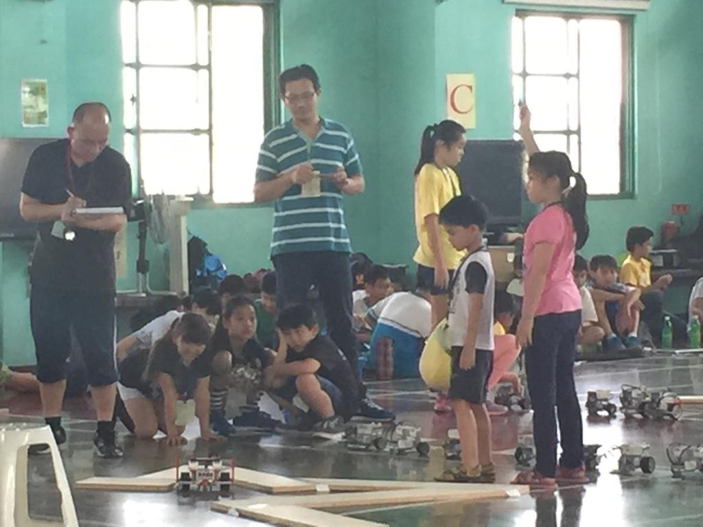 IMG_0652.JPG - 「105年臺南市數位控制機器人迷宮競賽」