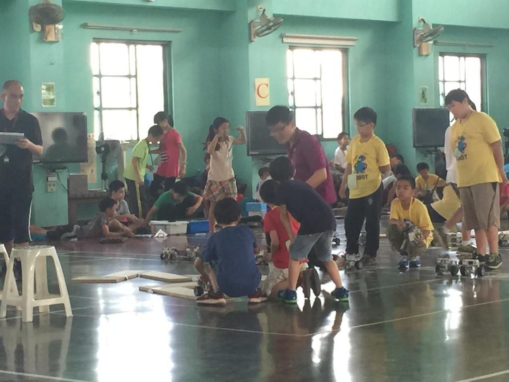 IMG_0653.JPG - 「105年臺南市數位控制機器人迷宮競賽」