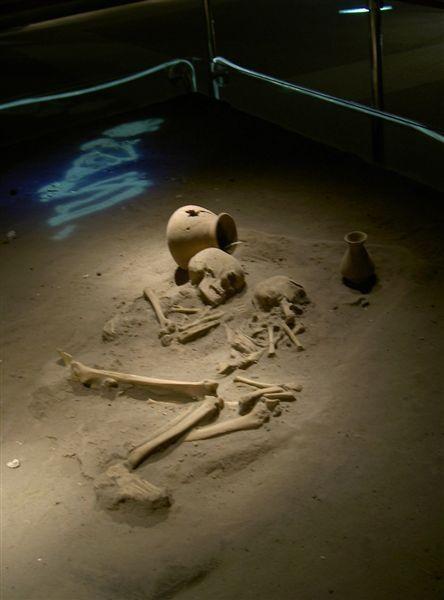 仿當時埋葬的位置