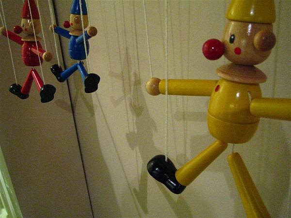 音樂屋裡賣的小木人偶