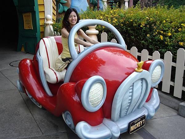 開Micky的車出去兜風囉