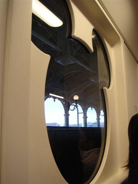 Micky列車的窗戶
