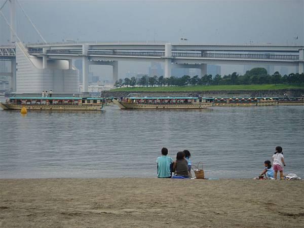 海邊+半個彩虹大橋
