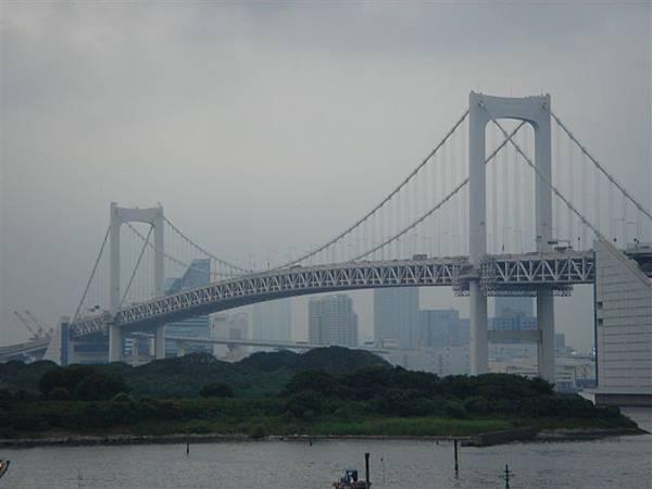 船上拍彩虹大橋