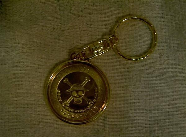 魯夫的鑰匙圈背面