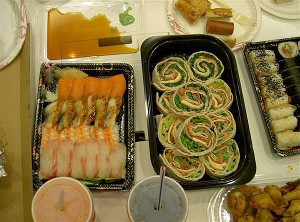 壽司跟鮭魚捲