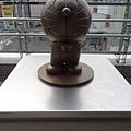 登戶車站前的小叮噹雕像