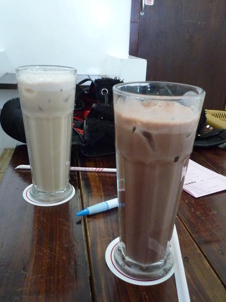 我的冰可可及Ellery的冰奶茶
