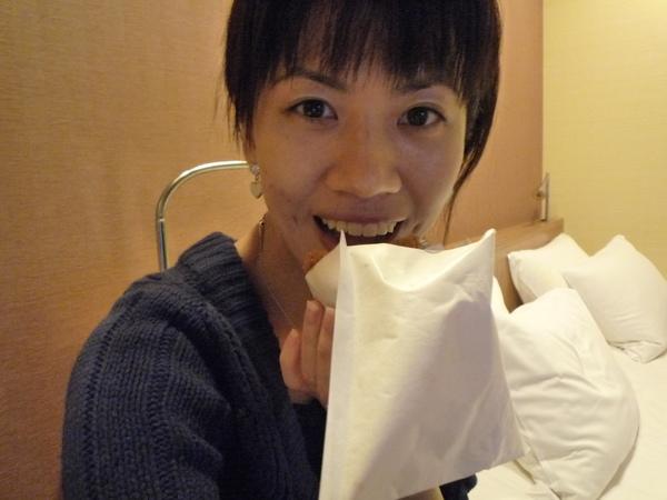 吃Daily的可樂餅