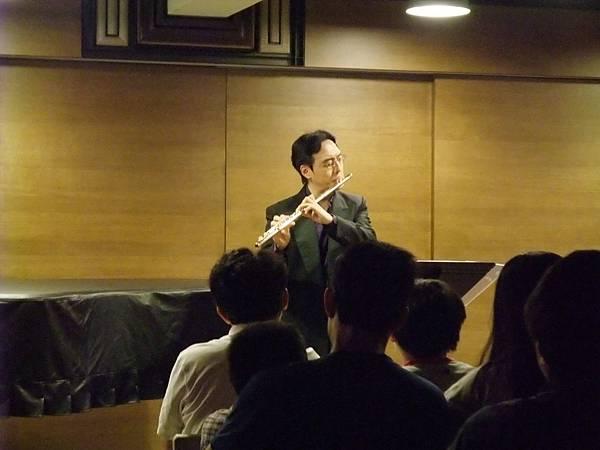 20110522-4 夜間咖啡館-長笛與古典吉他的交會