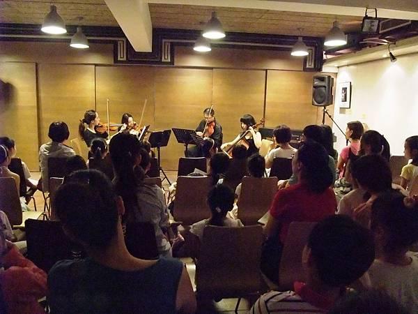 20110731-1 絃琴藝緻世界逍遙遊