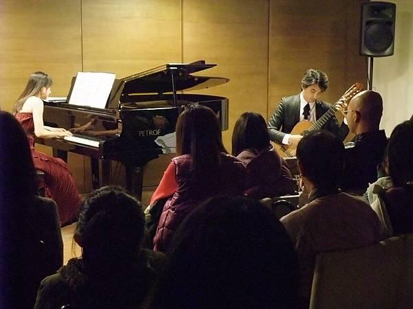 20111210-3 蘇孟風 維若妮卡 吉他與鋼琴二重奏