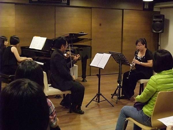 1013-3 鋼琴遇到小提琴再加上豎笛