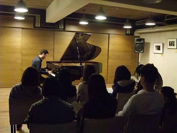 1111-1拉丁鋼琴王子亞歷山大維拉鋼琴獨奏會