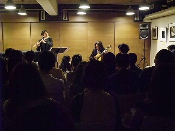 20110522-3 夜間咖啡館-長笛與古典吉他的交會
