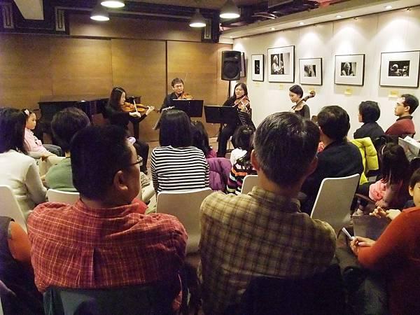 20101225-4絃琴藝緻音樂逍遙遊