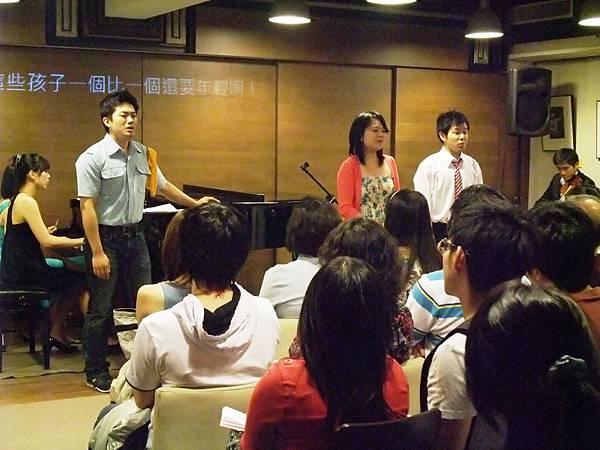 20101017-11曙光劇團no way3