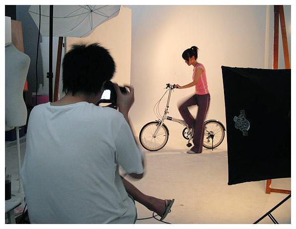 一直在調整腳踏車踏板XD