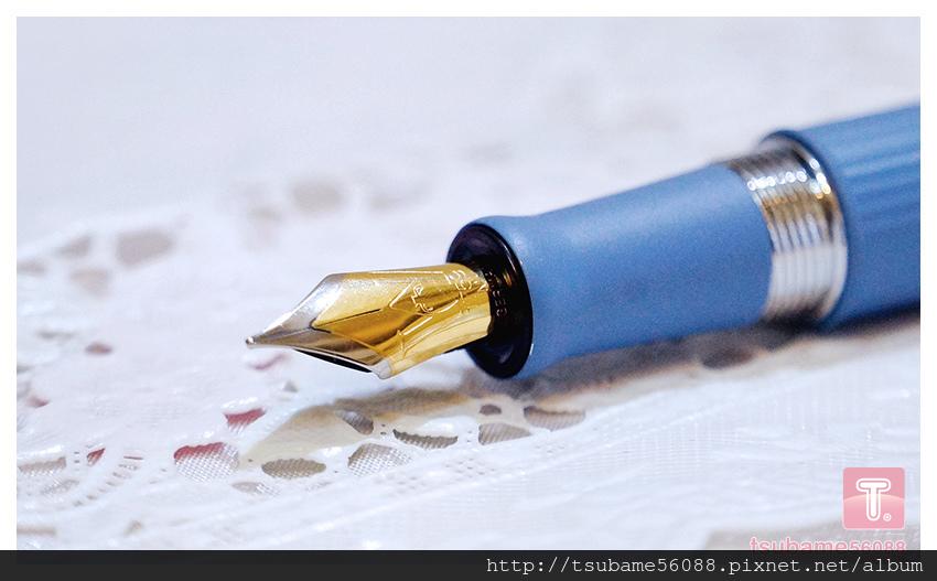 很喜歡雙色尖^^這是我第一枝雙色尖的筆 漂亮的不得了哩!