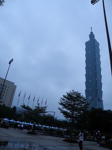 這是2009年的台北101