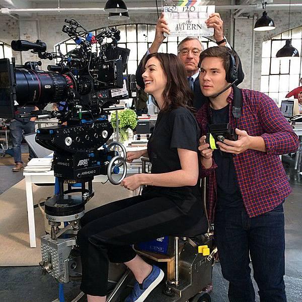 Anne Hathaway And Robert De Niro: [The Intern] 高年級實習生~這下你們了解大叔的厲害了吧!~ @ 迷妹看電影 :: 痞客邦